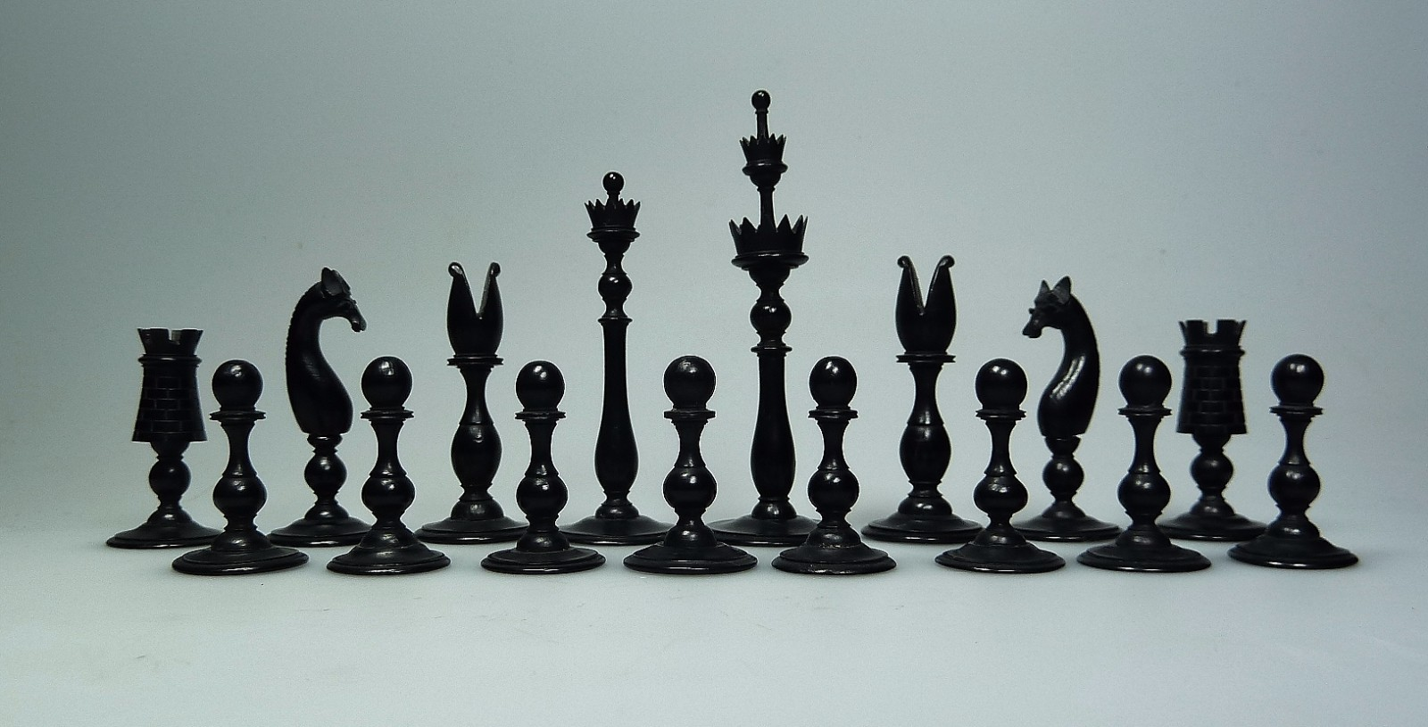 Contemporary Chess Set 18th Century English Spikehead Chess Set Herwig Simons